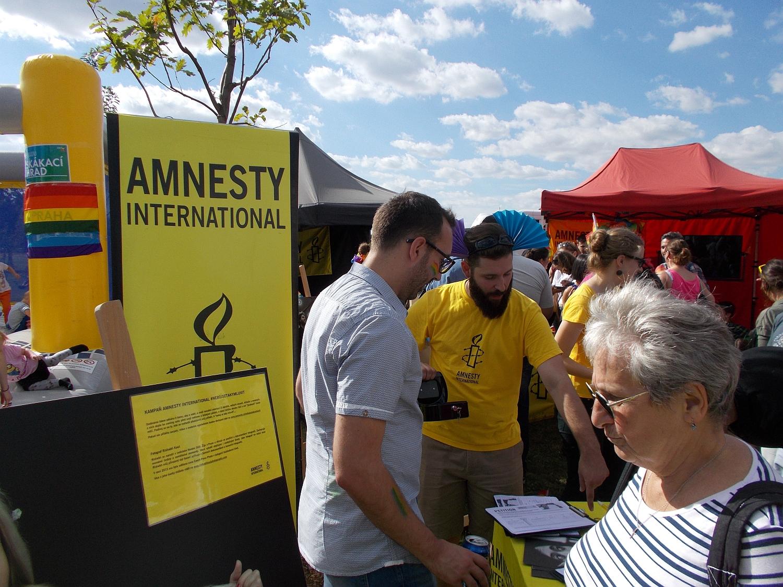 Auch Amnesty International war mit einem eigenen Stand vertreten.
