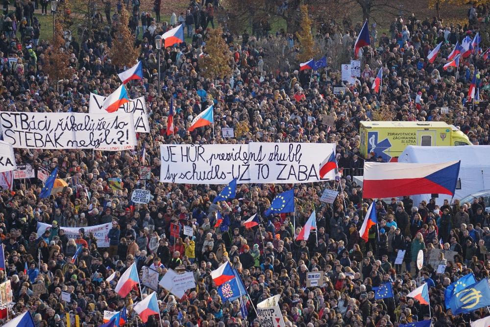 """Demonstration """"Letná 2 - Wir klingeln für die Demokratie!"""" Foto: K. Kountouroyanis"""