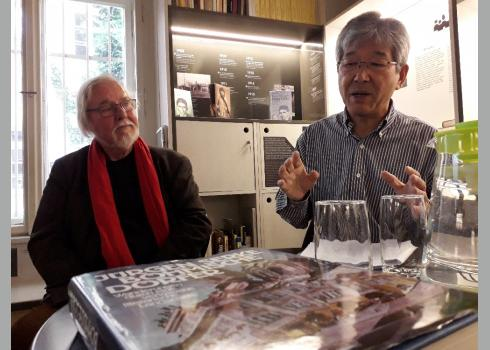 Jürgen Serke aus Hamburg und Prof. Hiroshi Asano aus Tokio lesen gemeinsam.