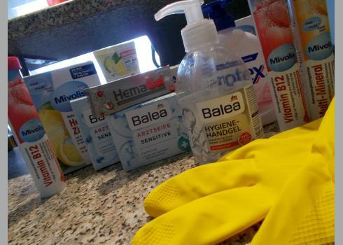 Handdesinfektionsgel ist in vielen Apotheken und Drogerien bereits ausverkauft. Foto: K. Kountouroyanis