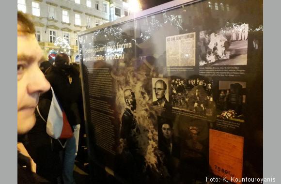 Die Infotafeln können auch noch Tage nach der Veranstaltung am Wenzelsplatz betrachtet werden.
